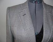 Vintage 1980s Houndstooth Plaid Blazer Jacket Black White Ralph Lauren: 1980S Houndstooth, Houndstooth Plaid, Plaid Blazer, Ralph, Black White, Blazer Jacket, Houndstooth Dresses, Vintage 1980S