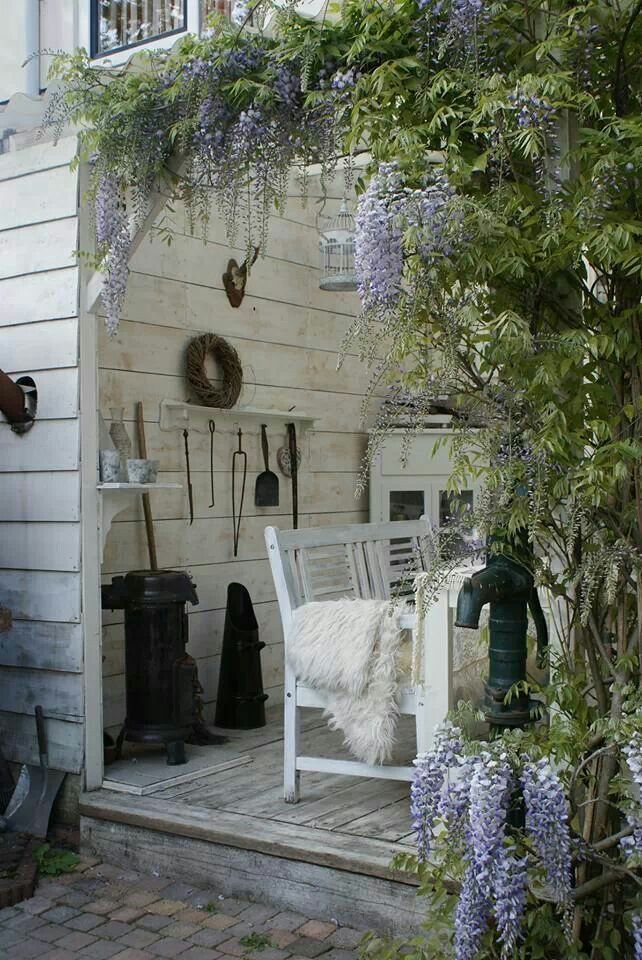 Overkapping-brocante-wisteria