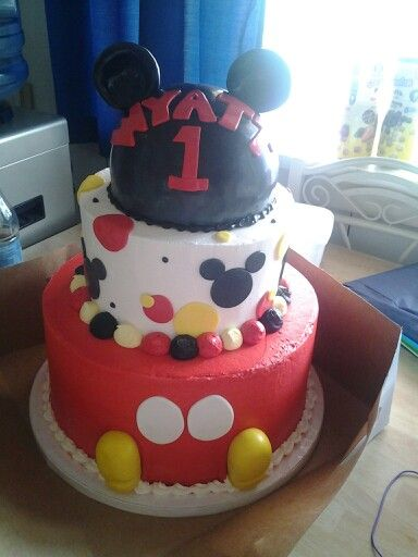 Wyatt's Mickey Mouse birthday cake!!!