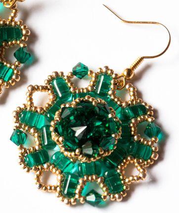Orecchini Emerald - Rulla Beads by Agape Bijoux www.youtube.com/watch?v=8HGuTeraYSI