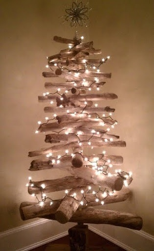 My friend Aimee from NDA's incredibly talented fiance made this gorgeous driftwood Christmas tree.... (featured in Completely Coastal and Newburyport News!)