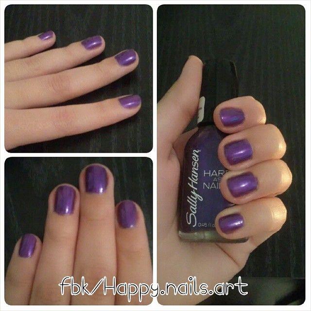 #manicuria con un #esmaltado violeta Satinado de #SallyHansen hecho por #Adelaidamercadomakeup para #HappyNails.   Pueden seguirnos en www.facebook.com/happy.nails.art   #nailart #nails #nailartaddict #uñas #art #beauty