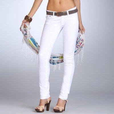 Узкие джинсы белые