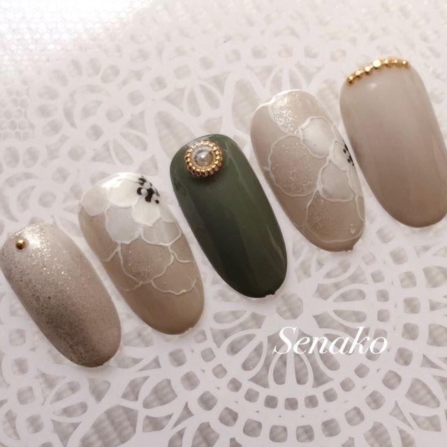 ネイル(No.1234338) フラワー  グリーン  ゴールド  ベージュ  ホワイト  ロング  ミディアム  サンプルチップ  ショート   かわいいネイルのデザインを探すならネイルブック!流行のデザインが丸わかり!