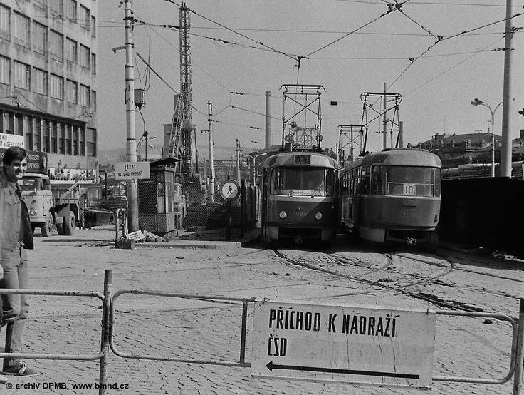 Fotogalerie » ČKD Tatra K2 1085 | ČKD Tatra T3 1505 | Brno | střed | Nádražní | Hlavní nádraží