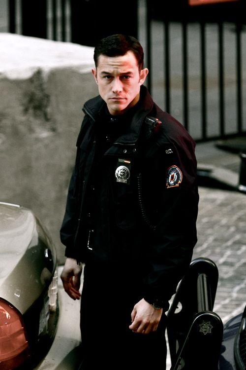 I must have a thing for cops, cause I loved him in the Dark Knight Rises!