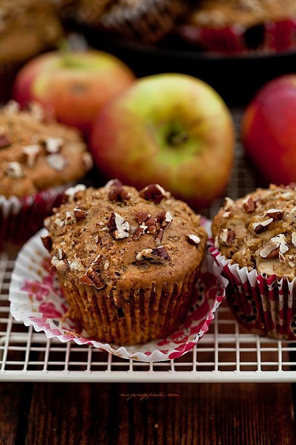 Muffinki korzenne z jabłkami i orzechową posypką