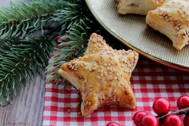 Stelle di pasta sfoglia con salmone e Phladelphia - Antipasto facile e veloce di Natale Capodanno