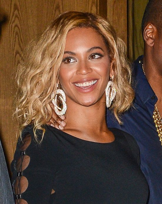 Her bob is so cute! Which she would have kept it longer #beyonce #hairstyle