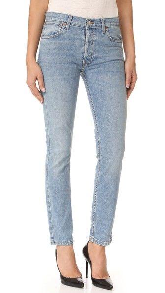 ¡Consigue este tipo de vaquero slim de RE/DONE ahora! Haz clic para ver los detalles. Envíos gratis a toda España. RE/DONE Originals Stretch Straight Skinny Jeans: Faded-wash RE/DONE jeans in a slim, straight-leg fit. 5-pocket styling. Button fly. Fabric: Denim. 99% cotton/1% spandex. Wash cold. Made in the USA. Measurements Rise: 9.5in / 24cm Inseam: 30in / 76cm Leg opening: 12.5in / 32cm Measurements from size 27 (vaquero slim, fit, ajustado, ajustados, stretch, jeans slim fit, jeans…