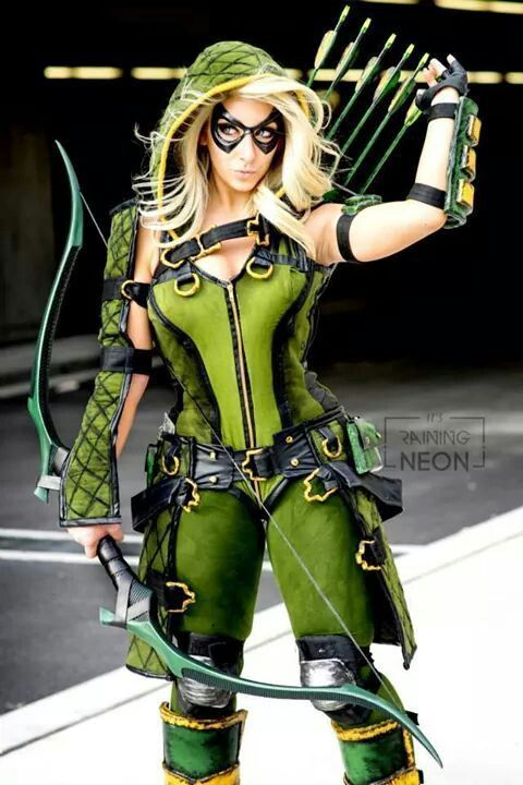 So cool. Reminds me of Artemis from Young Justice | Superhero cosplay | Green archer | Girl, woman, female costume | geek