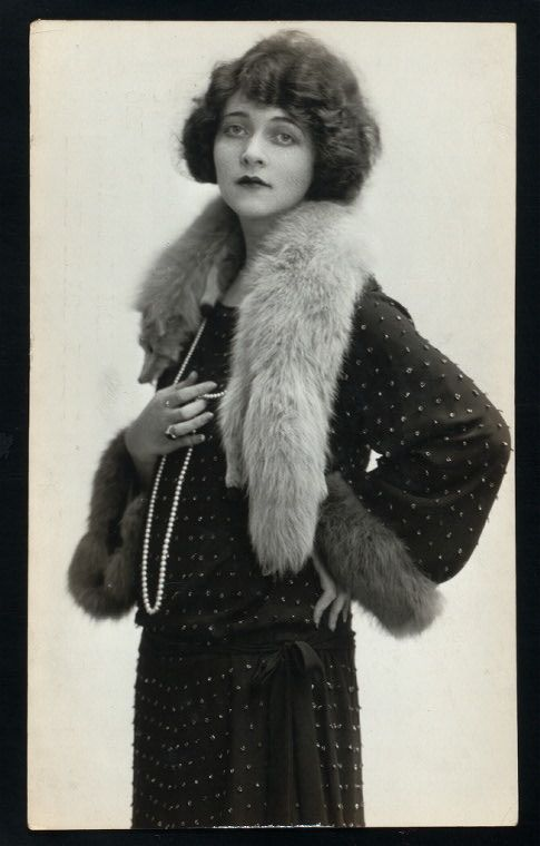 Frances Bavier Early Photos Taken in the '30s . . . long before her wonderful role of Mayberry's Aunt Bea in the Andy Griffith show