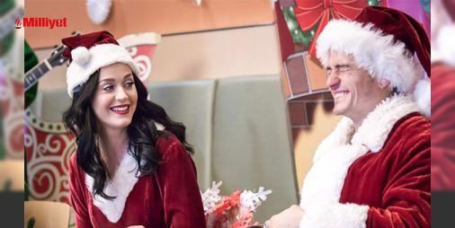Demek ki ayrılmamışlar : Orlando Bloom ve Katy Perry Los Angeles Çocuk Hastanesindeki minik hastaları birlikte ziyarete gittiler. Kanser türünde ciddi hastalıklar yüzünden tedavi gören küçük hastalar en sevdikleri şarkıcı olan Katy Perryyi ve oyuncu Bloomu görünce çok sevindiler. Noel Baba ve Noel Anne kıyafetleri giyen...  http://www.haberdex.com/magazin/Demek-ki-ayrilmamislar/137573?kaynak=feed #Magazin   #Katy #Perry #Bloom #Noel #sevdikleri