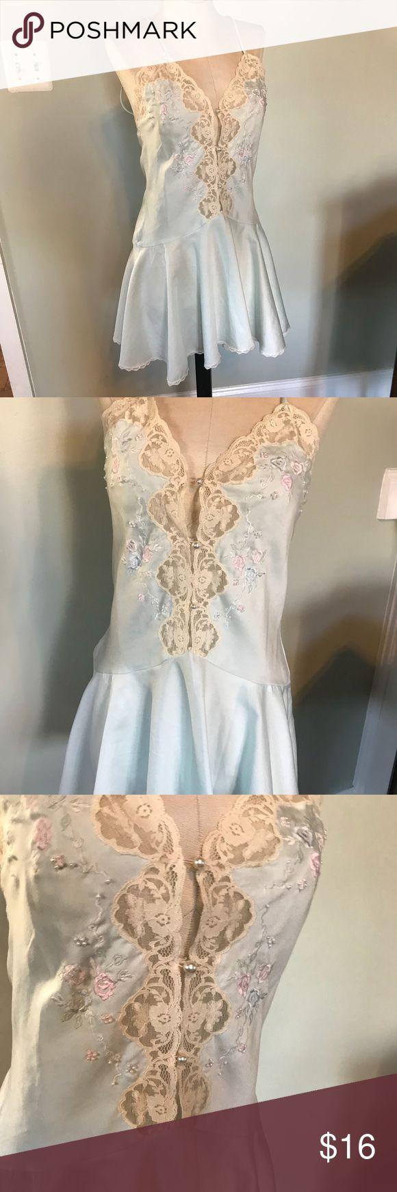 Vintage Sara Beth Nightie Very nice condition  Sz Petite/Small  Lace trim with pearl details sara beth Intimates & Sleepwear