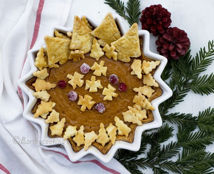 Christmassy Pumpkin Pie, a wonderful Christmas tradition with decorative baked Christmas cutouts.