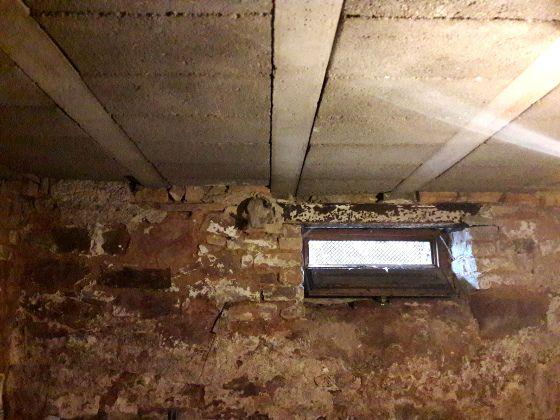 Wer Probleme mit Feuchtigkeit im Keller hat, sollte kaltes und trockenes Wetter im Herbst und Winter zur Verbesserung der Situation nutzen