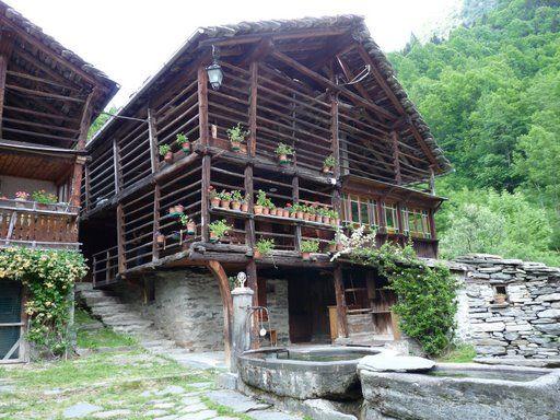 In Esclusiva il villaggio Walser di Alagna | A Ruota Libera