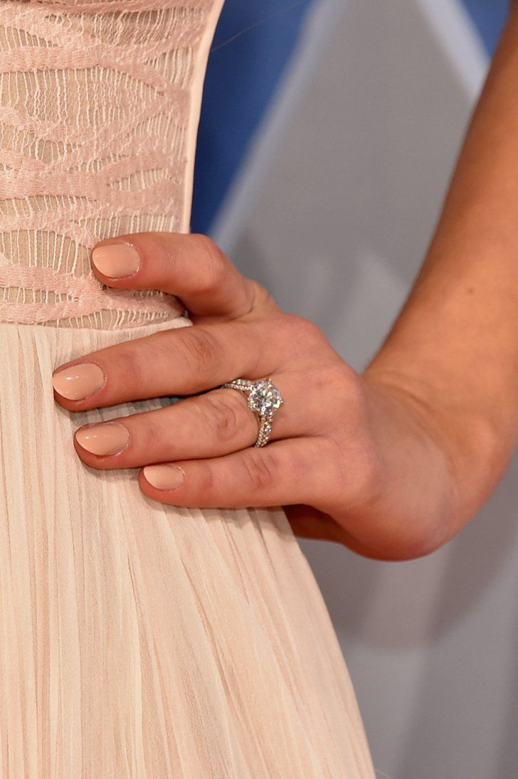 Pin for Later: See the Stunning Engagement Ring Derek Jeter Gave His Fiancée!