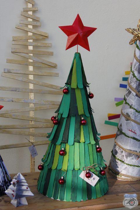 Târgul de brazi ecologici de Crăciun - D - Petre