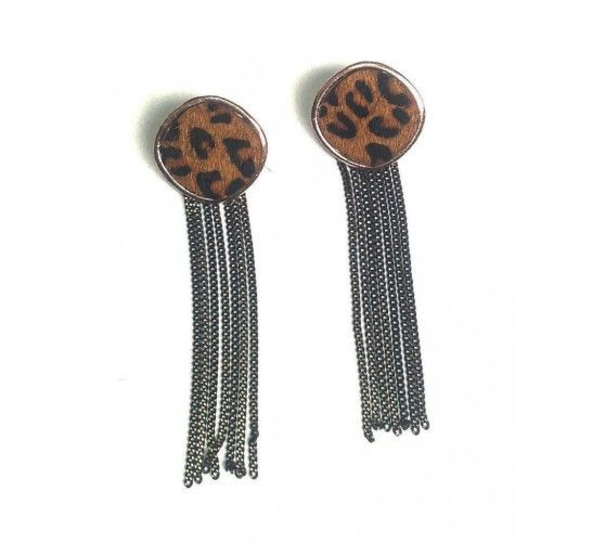 Pendientes de tuerca con cadenas colgantes con pelo de leopardo #shoponline #instafashion #tiesheels #earring #leopard