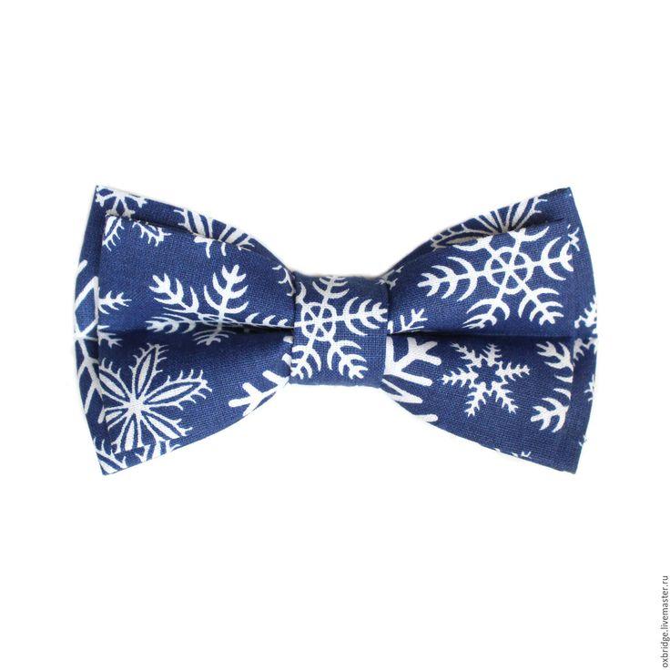 Купить Галстук бабочка синего цвета со снежинками / Бабочка галстук синий
