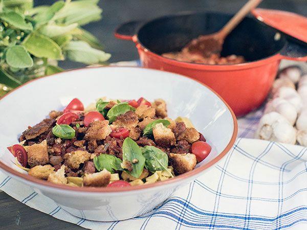 Ernsts tagliatelle med skinka, tomat och rödvin | Recept.nu
