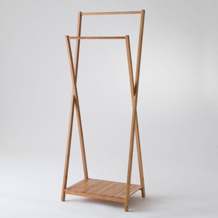 Matières : bambou Coloris : bois naturel Dimensions : Largeur : 60 cm Profondeur : 34 cm Hauteur : 142 et 162 cm Entretien : Nettoyer avec un tissu humide Les ...