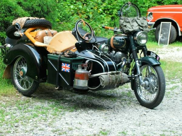 Royal Enfield Bullet with Sidecar - Front Right