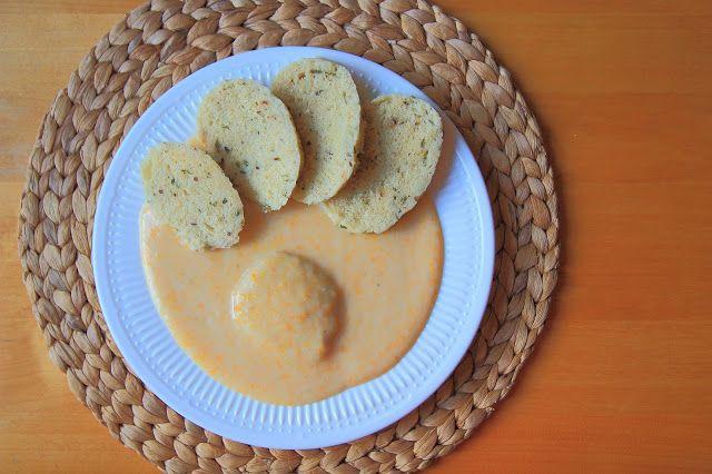 Vegan svíčková a domácí houskový knedlík / Sirloin on cream and bread dumplings