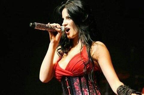 Maite en concierto