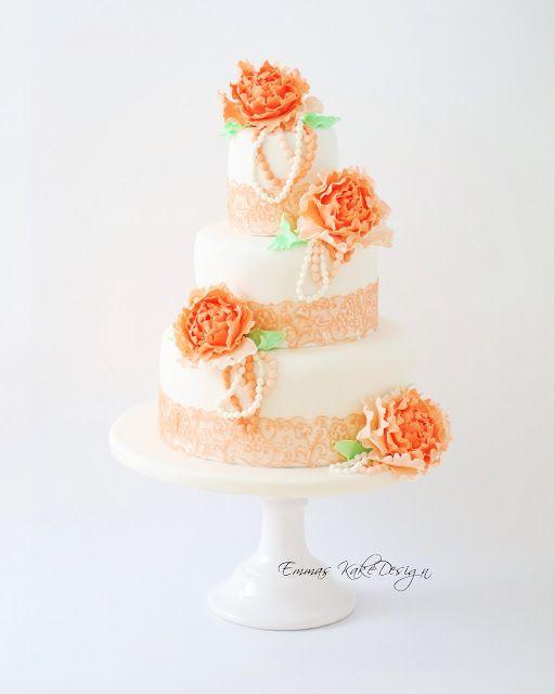 Emmas KakeDesign: Vintage wedding cake with lace and closed peonies! www.emmaskakedesign.blogspot.com