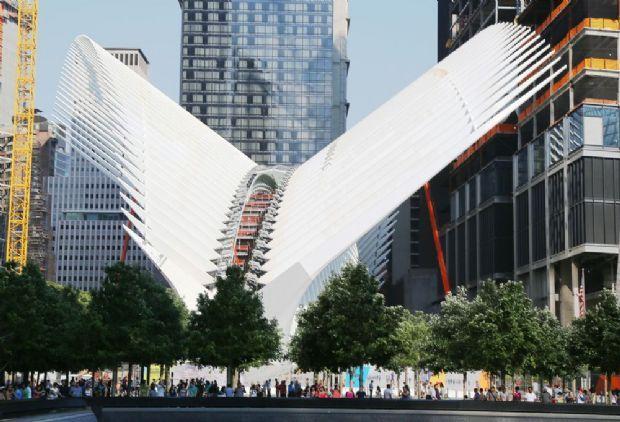 Criado por Santiago Calatrava como uma pomba branca, novo centro de transportes do World Trade Center é aberto | aU - Arquitetura e Urbanismo