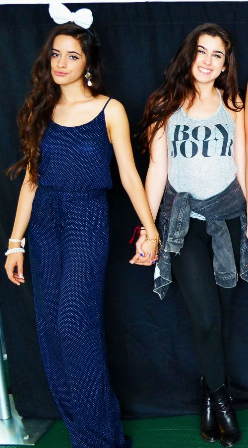 I asked some random guy if he thought they were a couple and he said yes. My dreams are coming true. CAMREN FOR LIFE!!