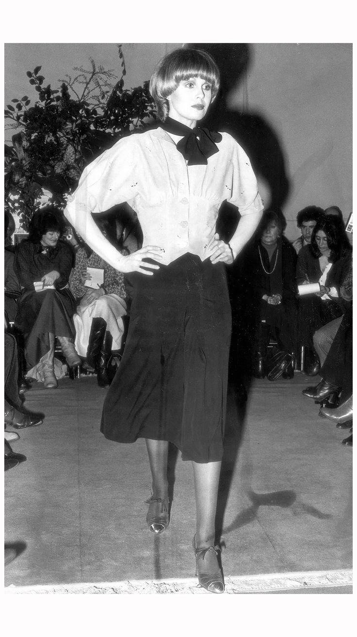 Joanna Lumley in Jean Muir, 1977