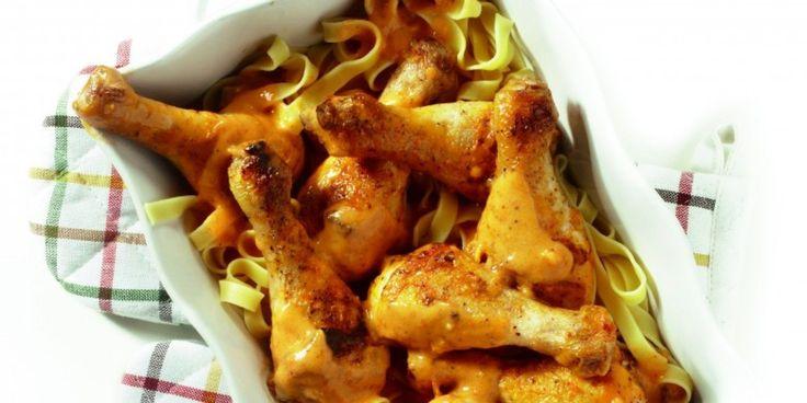 Boodschappen - Drumsticks in pesto-roomsaus met pasta