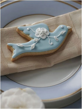A gorgeous iced biscuit wedding favour by Pretty Tasty