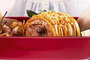 Pork roast with prosciutto pears