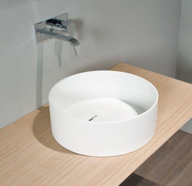 Oltre 25 fantastiche idee su vasca da bagno doccia su - Vasca da bagno ceramica ...