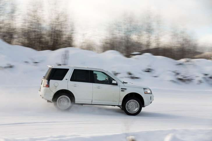 White remains the most popular color in the body of the new cars. http://www.disauto.net