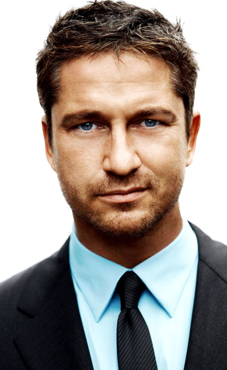 Gerard Butler... I have a somewhat crush on this face in particular... Him as Leonidas though..!