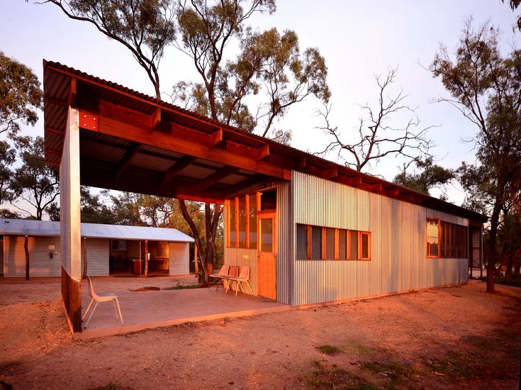 Weekend Cabin: An Australian ranch on the shore of a lake has been turned into post-modern hotspot—for just $14 a night. http://www.adventure-journal.com/2014/05/weekend-cabin-mallee-bush-retreat-victoria-australia/