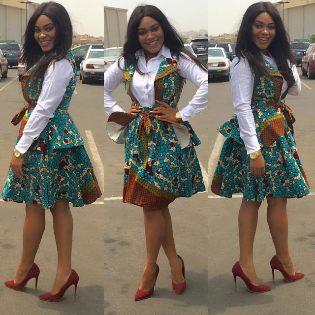 Creative Aso Ebi Style for Ladies http://www.dezangozone.com/2016/04/creative-aso-ebi-style-for-ladies_21.html