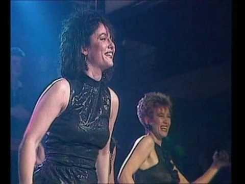 ▶ Dolly Dots - Hearts Beat Thunder (07-02-1987, HQ) - YouTube