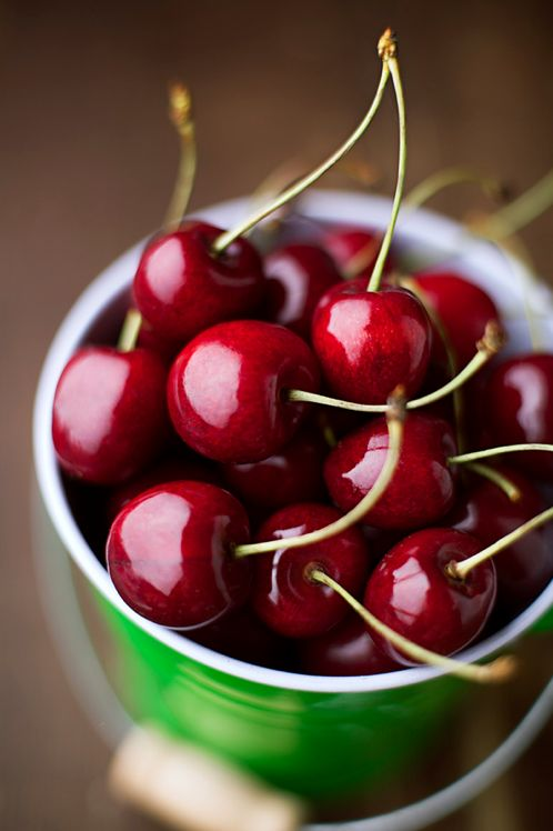 Cerejas (cherries).
