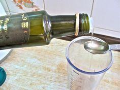Aide pour la perte de poids, la digestion et même pour les problèmes de peau : lisez cet article sur les bienfaits d'une cuillerée de vinaigre de cidre (ou vinaigre de pomme) dans un verre d'eau.