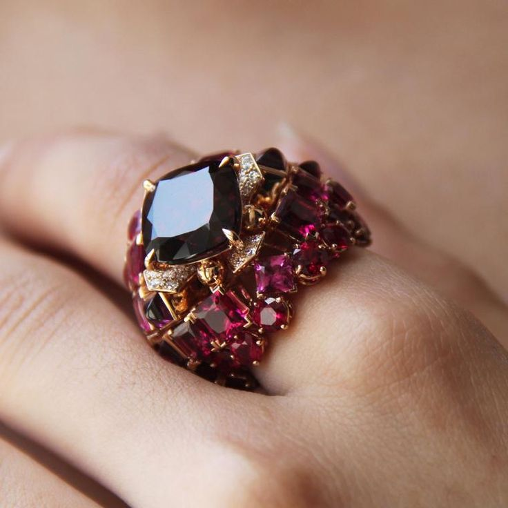 Chaumet's Aria Passionata high jewellery ring is an ode to the fiery colour red, featuring a garnet, rubies, pink tourmalines and diamonds. http://www.thejewelleryeditor.com/jewellery/article/chaumet-est-une-fete-high-jewellery-review/ #jewelry