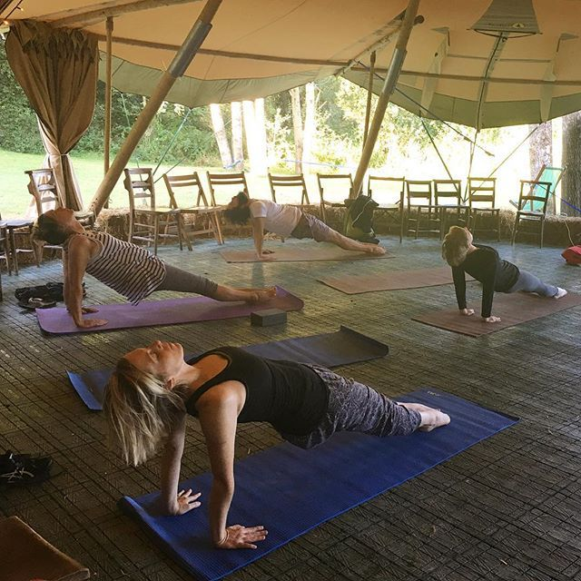 Stretch and breath, open and relax, a great start to every day with Elise the…