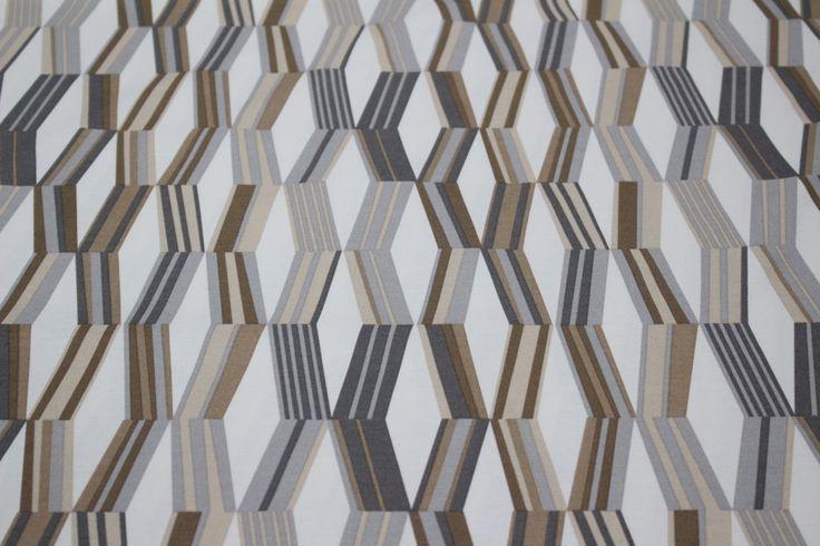 Material teflonat impermeabil ideal pentru fete de masa si draperii , dar si tapiserii - Complex John Pitesti