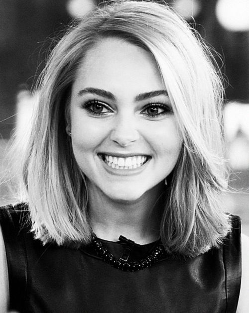 AnnaSophia Robb, I've been told that she is my celebrity look-alike. I wouldn't be upset if this is accurate.