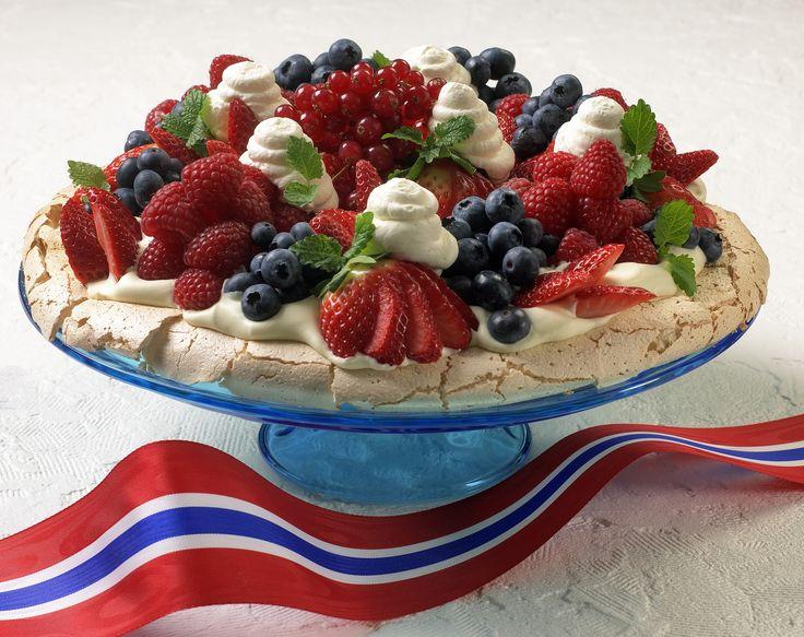 Pavlova - den beste 17. mai-kaken?: Se video hvordan du lager denne herlige kaken